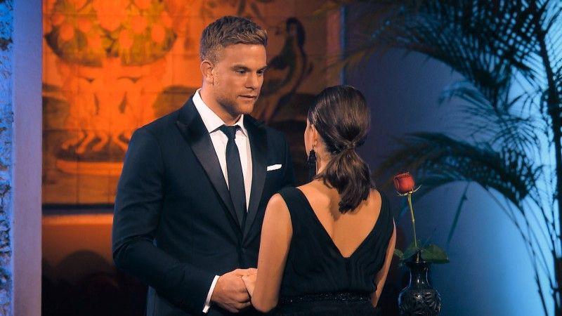 """Im Finale muss sich der """"Bachelor"""" Sebastian Preuß zwischen zwei Frauen entscheiden. Gibt er seine letzte Rose Diana ..."""
