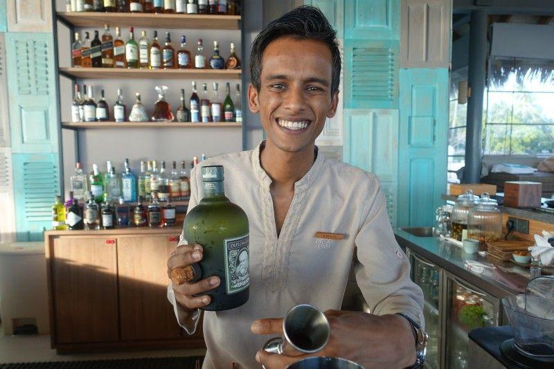 Barkeeper Kavish Hurrydoss mixt exotische Drinks – so gut, dass er dafür schon ausgezeichnet wurde.