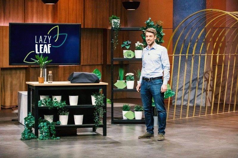 """<b>Folge 3:</b> Georg Pröpper präsentiert den """"Löwen"""" """"Lazy Leaf"""" - einen selbstgießenden, elektronischen Blumentopf. """"Er gießt ganz automatisch. Nie zu viel und nie zu wenig"""", erklärt der Gründer."""