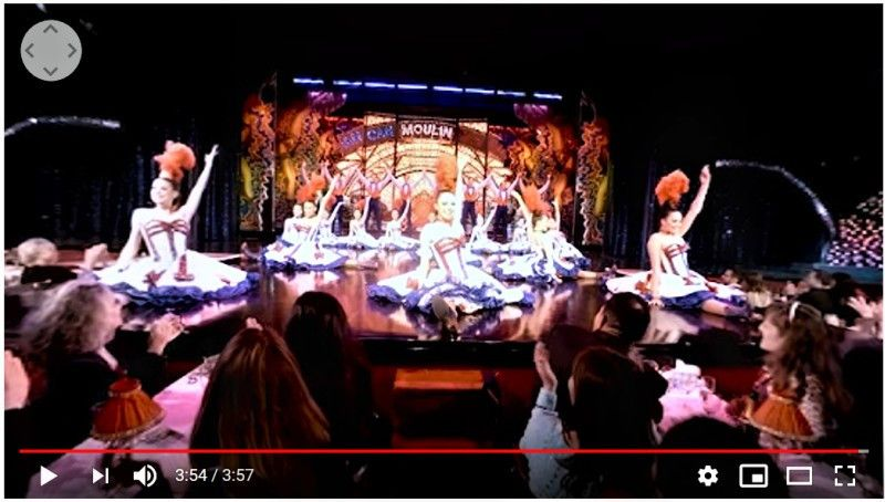 Virtuell geht's auch ins Moulin Rouge.