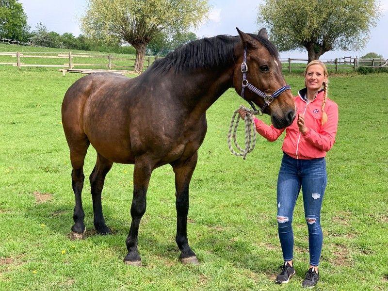 Denise (31, Landkreis Höxter) ist Bio-Bäuerin und Pferdewirtin. Denise liebt Tiere und züchtet Border Collies.