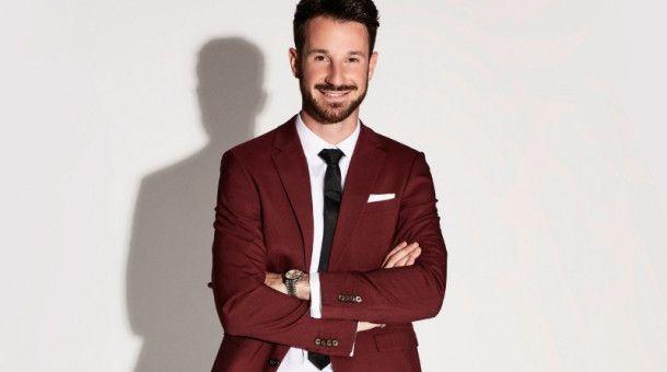 """Rosen gibt's beim """"Bachelor"""", Alexander Schäfer verteilt in der zweiten Staffel als """"Prince Charming"""" Krawatten."""