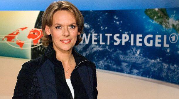 """""""Weltspiegel""""-Moderatorin Ute Brucker moderiert den Brennpunkt über Beirut."""