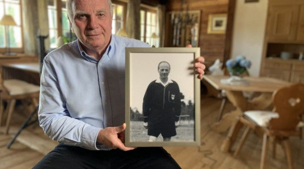 Uli Hoeneß verschoss 1976, sechs Jahre nach der Erfindung des Elfmeterschießens, den entscheidenden Elfmeter im EM-Finale gegen die Tschechslowakei.