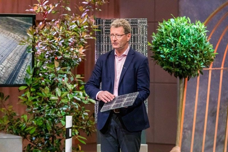 """<b>Solmove:</b> Bei dem smarten Straßenbelag mit Solarzellen, die Strom erzeugen, schlagen gleich drei """"Löwen"""" zu. Doch der Deal mit Dagmar Wöhrl, Carsten Maschmeyer und Nico Rosberg platzt im Nachhinein."""