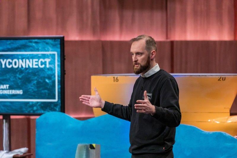 <b>HYCONNECT:</b> Der letzte Pitch der Staffel ist etwas für Techniker. Lars Molter hat ein spezielles Verbindungselement entwickelt, das Metall und Faserverbundelemente sicher miteinander fügt und somit mehr Leichtbau ermöglichen soll. Carsten Maschmeyer und Nico Rosberg investieren 500.000 Euro und bekommen 17,5 Prozent.