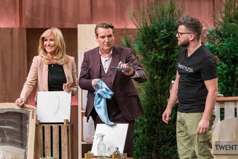 </b>Twentyless:</b> Zum letzten Mal in der achten Staffel dümmelt es. Der Investor schlägt bei den umweltfreundlichen Reinigungskonzentraten in Glasflaschen zu. Für 70.000 Euro bekommt er 25 Prozent.