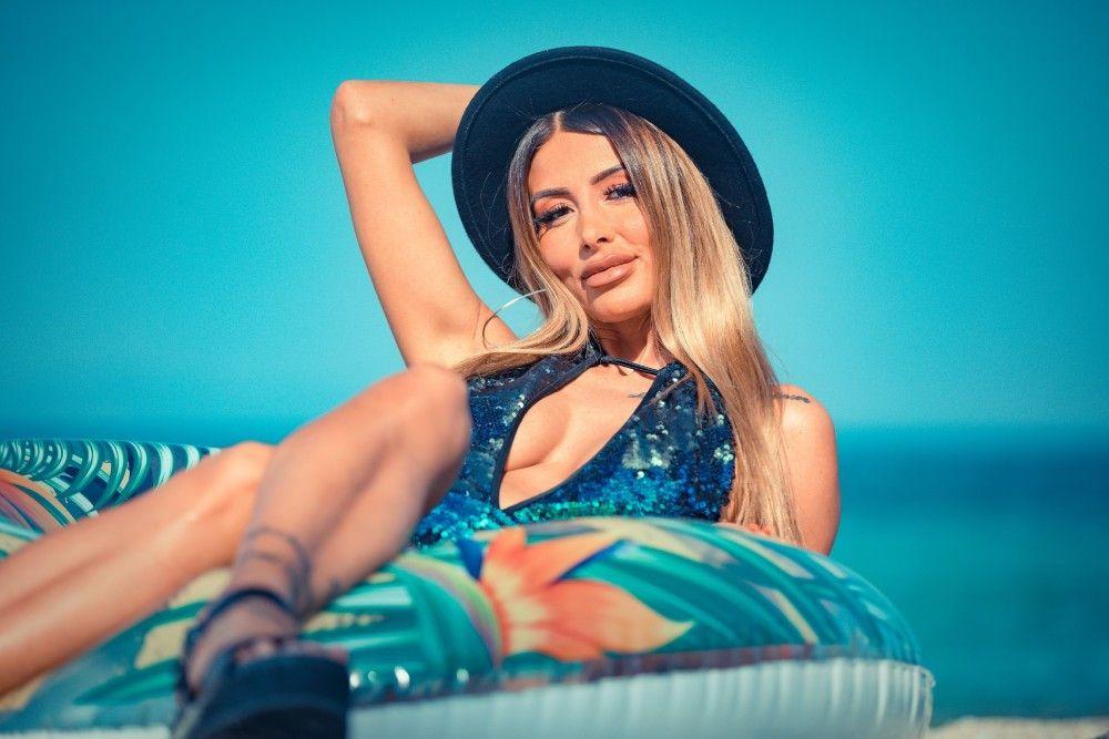 """Reality-Star Christina Dimitriou (29) hat sich viel vorgenommen: """"Wenn ich mir etwas in den Kopf setze, dann gebe ich alles, um es auch zu erreichen. Ich werde alle rasieren."""""""
