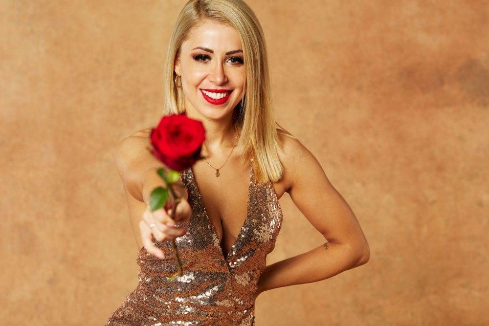 Denise (24, Flugbegleiterin): Raus in Folge 5