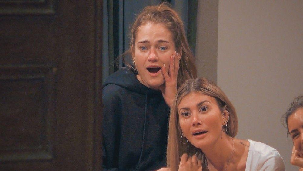 """Großes Drama beim """"Bachelor"""": In der dritten Folge fällt der erste Kuss. Sehr zum Schock der anderen Kandidatinnen. <b>Vorsicht:</b> enthält kleine Spoiler zur dritten Sendung."""