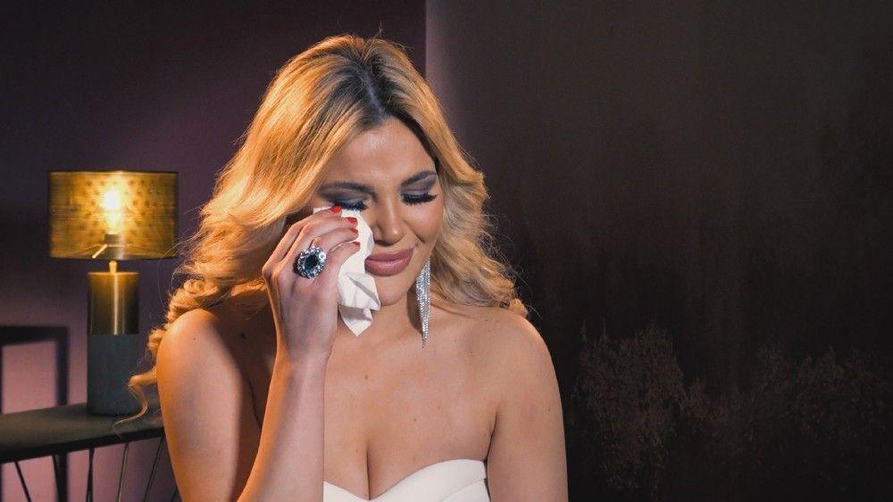 Bei Kim Virgina fließen nach einem heftigen Streit mit Linda Tränen.