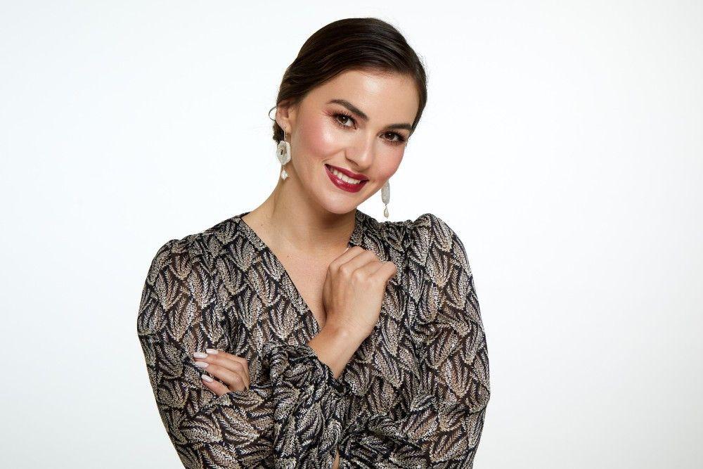 Auch seine Ehefrau Renata Lusin (33, aus Düsseldorf), u.a. Vizeweltmeisterin Showdance Standard) gehört zu den beliebtesten Profi-Tänzerinnen. Sie wurde 2020 Zweite.