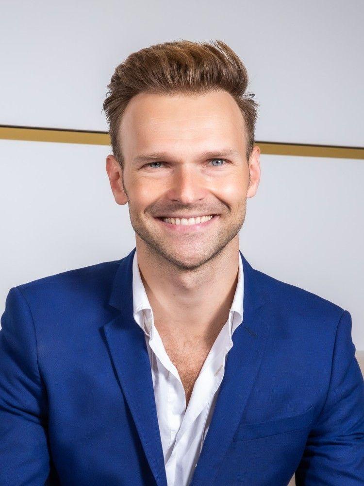 """Vadim Garbuzov (33 aus Wien, u.a. Weltmeister Showdance Standard) war schon häufiger als Profi-Tänzer in der deutschen """"Let's Dance""""-Ausgabe dabei."""