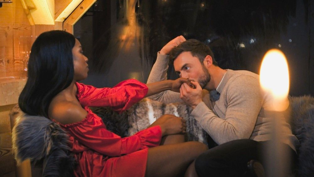 """In der siebten Folge geht """"Bachelor"""" Niko ganz schön ran. Vorsicht, die folgenden Bilder enthalten leichte Spoiler auf die Folge."""
