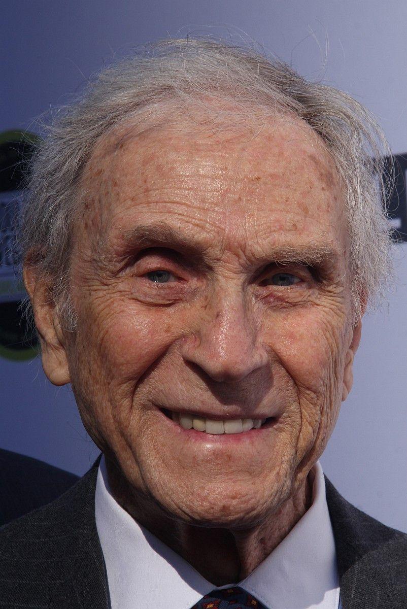"""Peter Mark Richman spielte zahlreiche Fernsehrollen, u.a. war er im """"Denver-Clan"""" und in der Serie """"Beverly Hills 90210"""" zu sehen. Am 14. Januar verstarb er im Alter von 93 Jahren an Altersschwäche."""