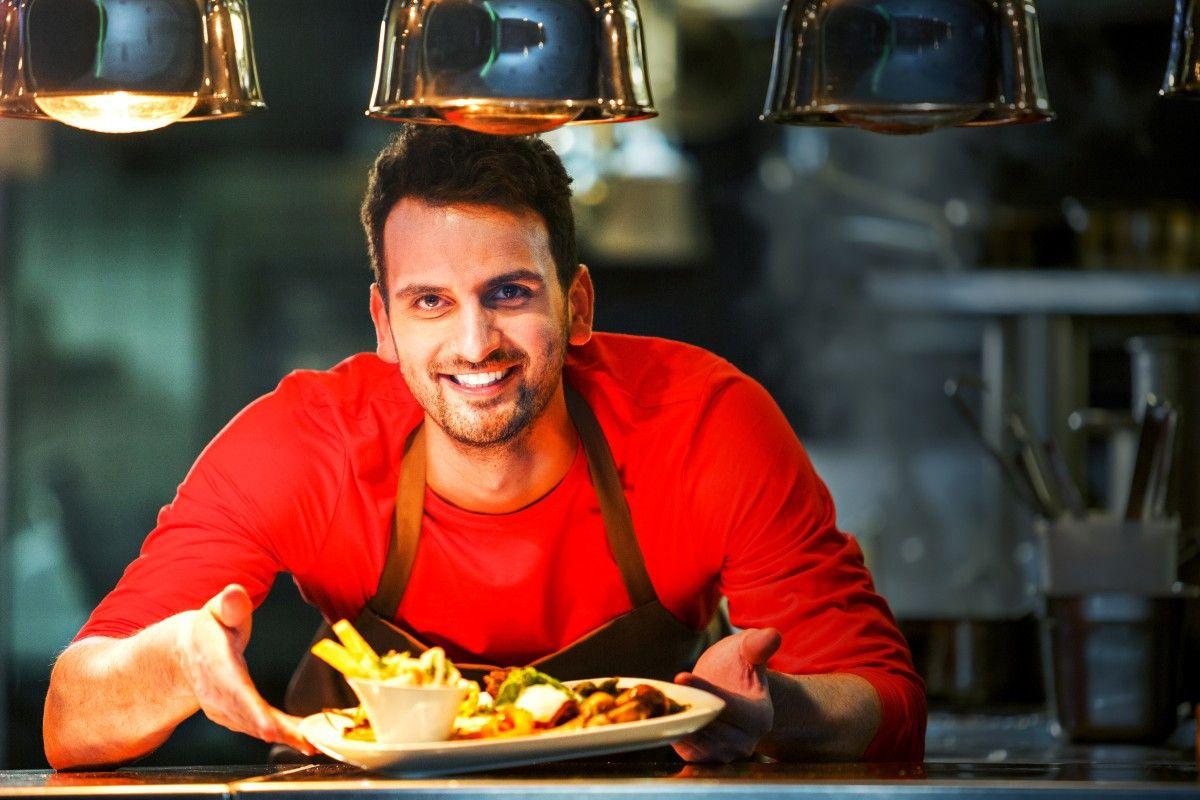 TV-Koch Alex Wahi mag es in der Küche bunt, schnell und kreativ.
