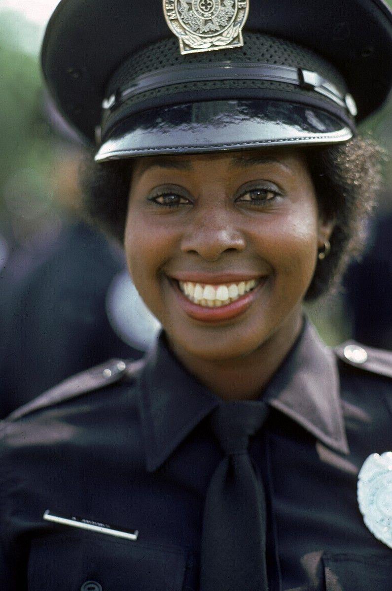 """Marion Ramsey wurde vor allem durch ihre Rolle als Polizistin Laverne Hooks in """"Police Academy"""" bekannt. Die Schauspielerin starb am 7. Januar 2021."""