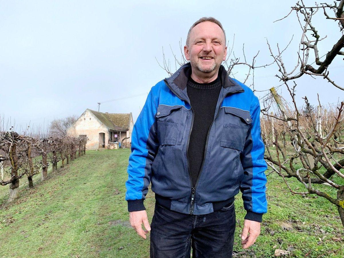 Der Kroate <b>Ivica (60)</b> in den letzten 30 Jahren die ganze Welt bereist und war vielerorts ansässig, unter anderem auch in Deutschland. Er ist Hobbylandwirt und Winzer aus Leidenschaft.  Ivica beschreibt sich selbst als Romantiker, der die Frau auf Händen trägt. <b>Hobbies:</b> Fußball, Bowlen, Angeln