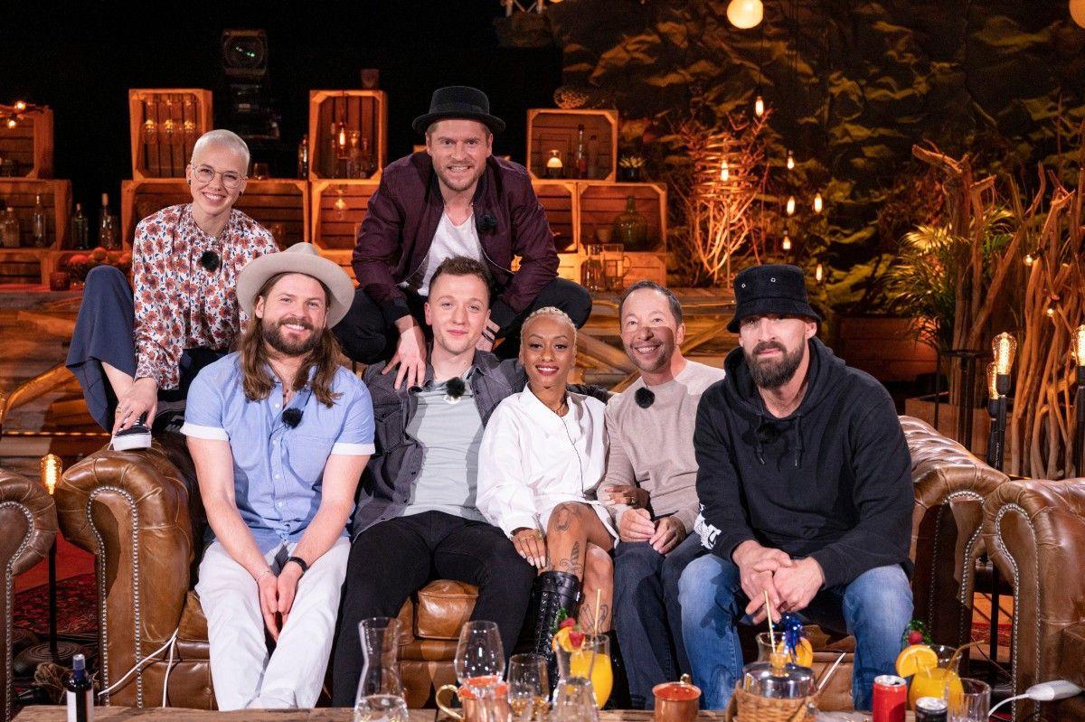 """Gastgeber Johannes Oerding hat sieben Künstler-Kollegen zum """"Tauschkonzert"""" bei VOX geladen. Wir stellen die Teilnehmer der achten Staffel vor."""
