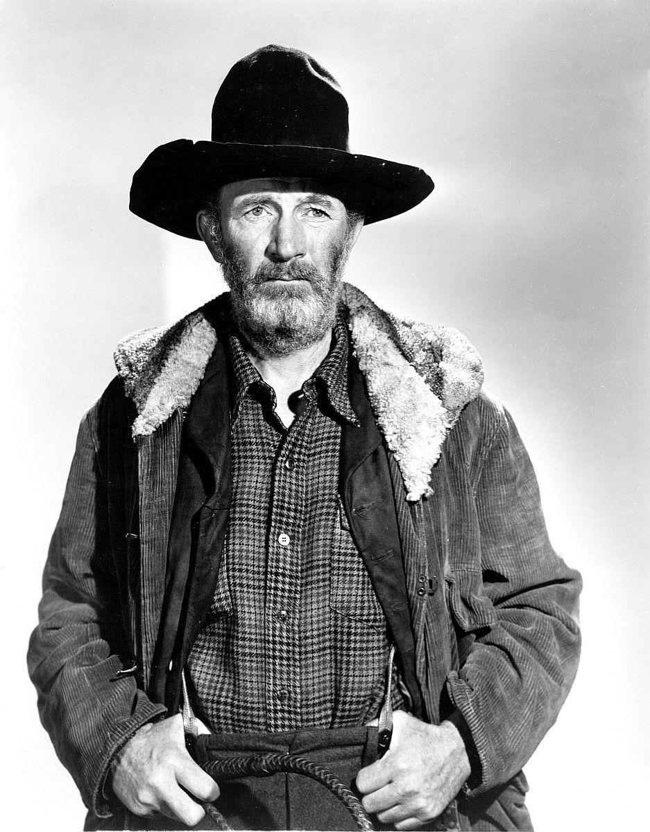 """Walter Brennan hält den Rekord für die meisten Auszeichnungen als Bester Nebendarsteller. Ausgezeichnet wurde er 1937 für """"Nimm, was du kriegen kannst"""", 1939 für """"Die goldene Peitsche"""" und 1941 für """"Der Westerner""""."""