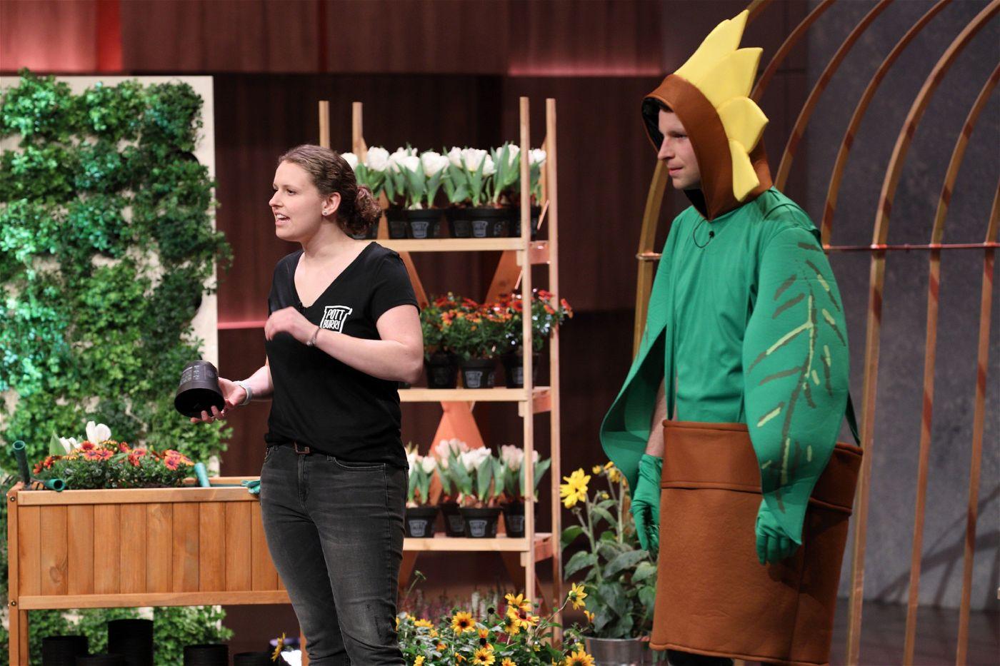 <b>Folge 6:</b> Ralf Dümmel schlägt beim biologisch abbaubaren Blumentopf POTTBURRI zu und investiert 150.000 Euro für 20 Prozent der Firmenanteile.