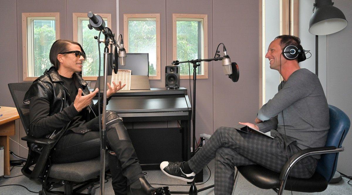 Jorge González im Gespräch mit prisma-Chefredakteur Stephan Braun.