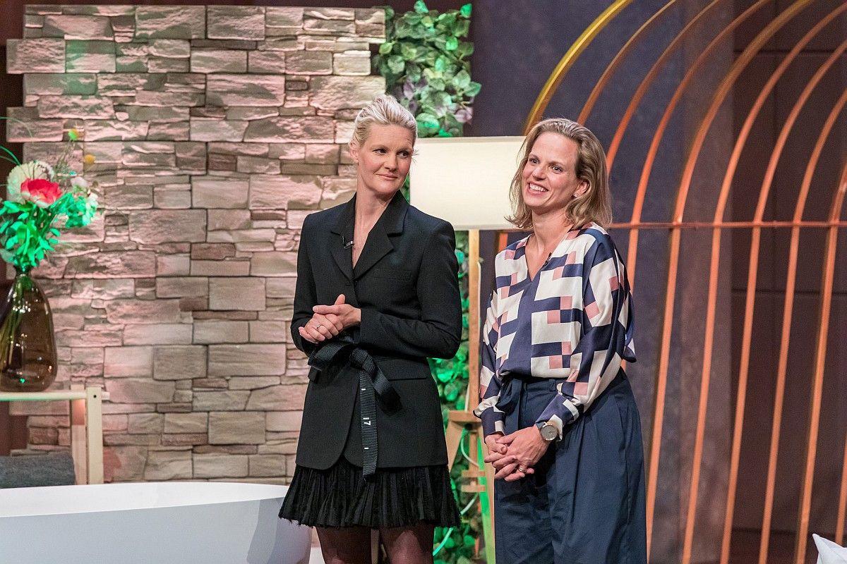 <b>Folge 8:</b> Beim Badesofa, gemütlichen Kissen für die Wanne, investiert Ralf Dümmel 150.000 Euro für ein Drittel der Firmenanteile.