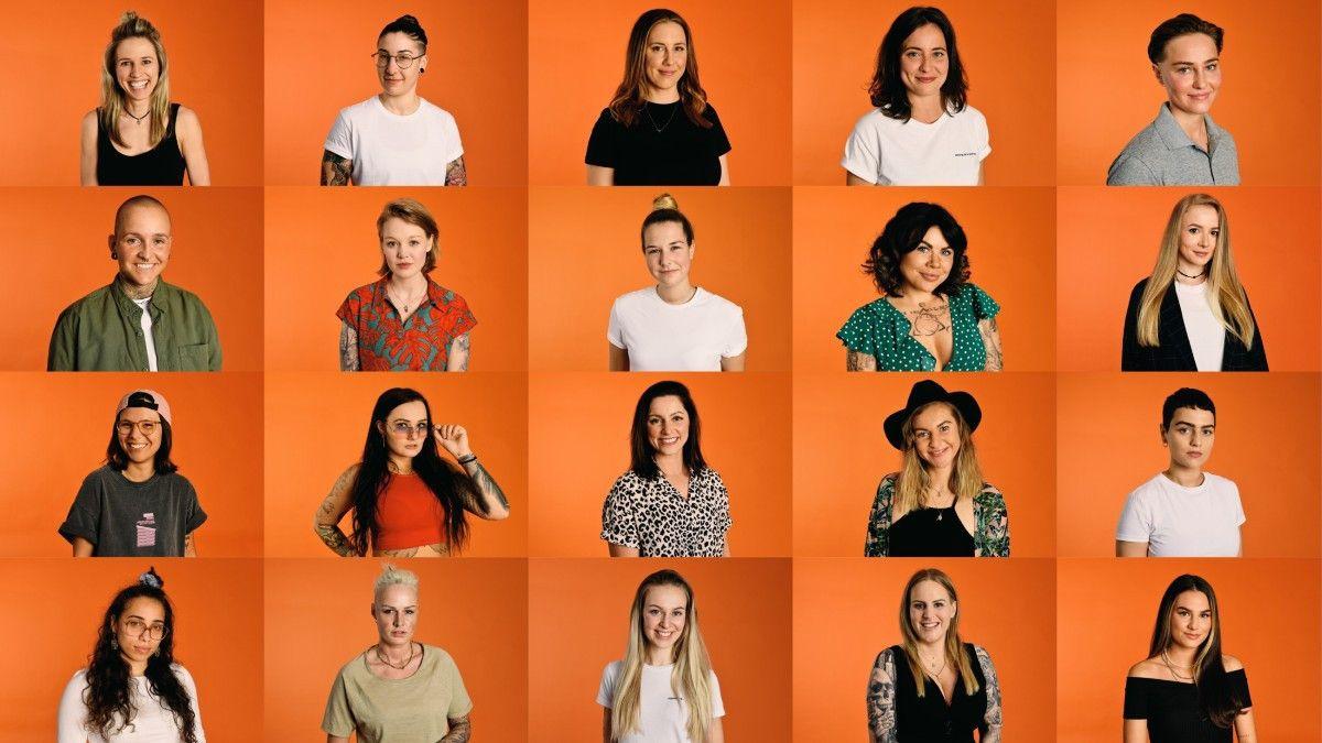 """20 Single-Frauen wollen in der ersten Staffel das Herz von """"Princess Charming"""" Irina Schlauch erobern. Wir stellen die Kandidatinnen der TVNOW-Show vor."""
