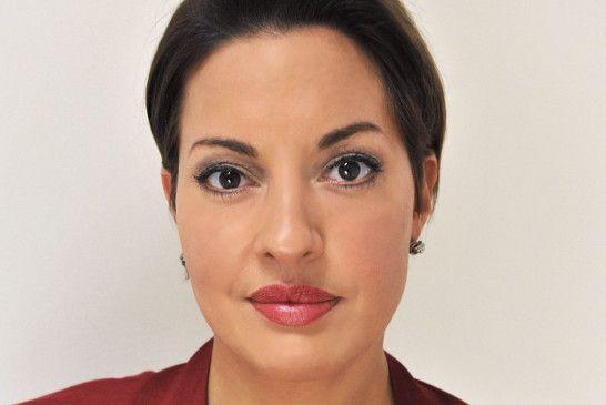 Ihr sanftes Äußeres täuscht: Die Südamerikanerin Leonora Lopez weiß, wie sie ihre weiblichen Reize geschickt einsetzt.