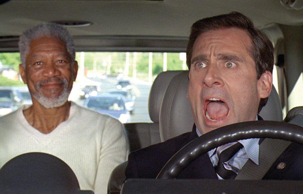 Oh Gott, welch Schreck! Steve Carell erschrickt über Morgan Freeman als Gott auf dem Rücksitz