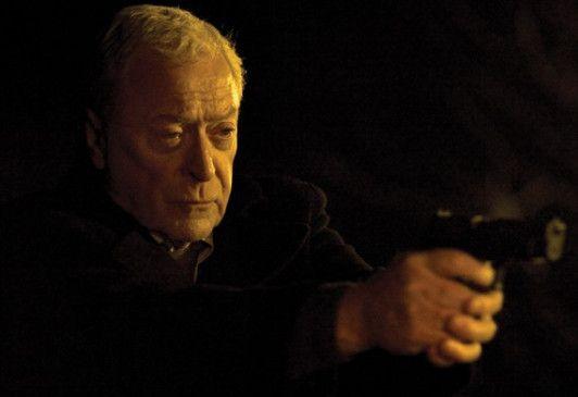 Harry Brown (Michael Caine) wehrt sich gegen die Banden in seinem Viertel.