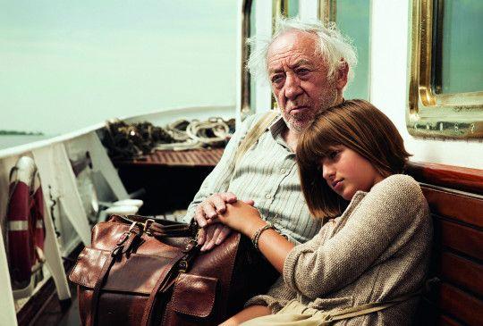 """""""Honig im Kopf"""" erzählt die Geschichte der ganz besonderen Liebe zwischen der elfjährigen Tilda (Emma Schweiger) und ihrem Großvater Amandus (Dieter Hallervorden)."""