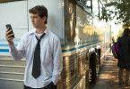 Der 19-jährige Jazz-Schlagzeuger Andrew Neiman (Miles Teller) träumt von einer großen Karriere.