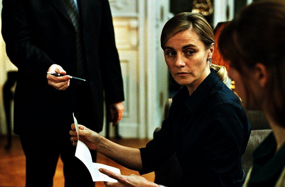 Während der Abwesenheit ihres gekidnappten Gatten muss Françoise (Anne Consigny) weit reichende Entscheidungen treffen.