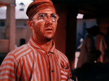 Louis Dega (Dustin Hoffman) träumt von der Freiheit.