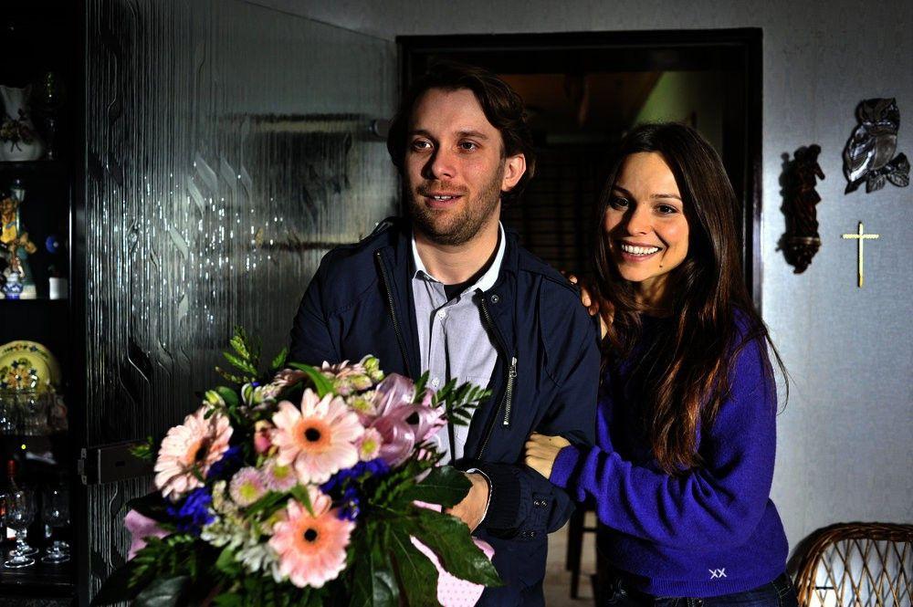 Jan (Christian Ulmen) und Sara (Mina Tander) wollen heiraten. Doch zunächst muss der Schwiegersohn in spe den unberechenbaren Brautvater für sich gewinnen...