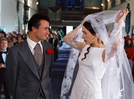 Paul (Alexandre Brasseur) und Andrea (Annelise Hesme) sind das erste Paar aus Lolas Freundeskreis, das sich das Ja-Wort gibt.