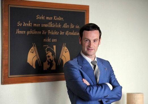 """Jörg Hartmann als MfS-Mitarbeiter in """"Weißensee"""""""