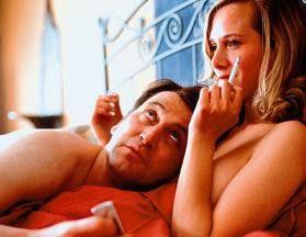 Wie waren denn deine anderen Lover? Ingo Naujoks will von Nadeshda Brennicke mehr wissen