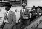 Donnerstag, 11. Juni  2015, 08.55 Im Jahre 1954 kommen circa 10.000 Afro-Karibianer am Hafen von London an. Nur ein Jahr später sind es schätzungsweise 15.000 mehr.