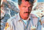 Sam Brodie (Tom Skerritt) ist Sheriff von China Lake und will der Mordserie auf den Grund gehen.