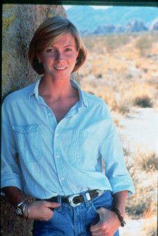 Cindy (Nancy Everhard) ist nicht nur die Sekretärin des Sheriffs, sondern auch seine Geliebte.