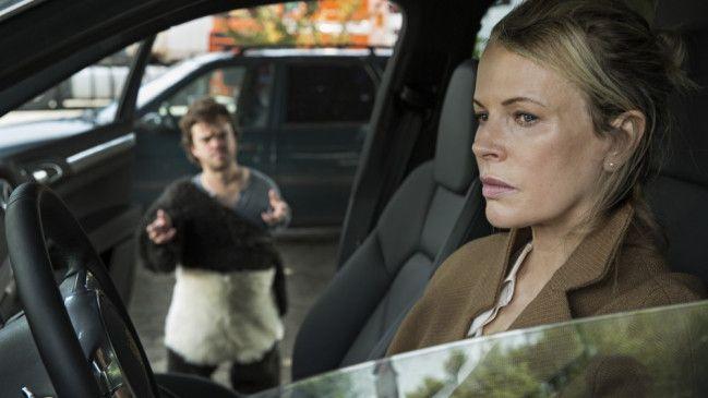 "Christian ""Petit"" (Jordan Prentice) und  Maria (Kim Basinger)"