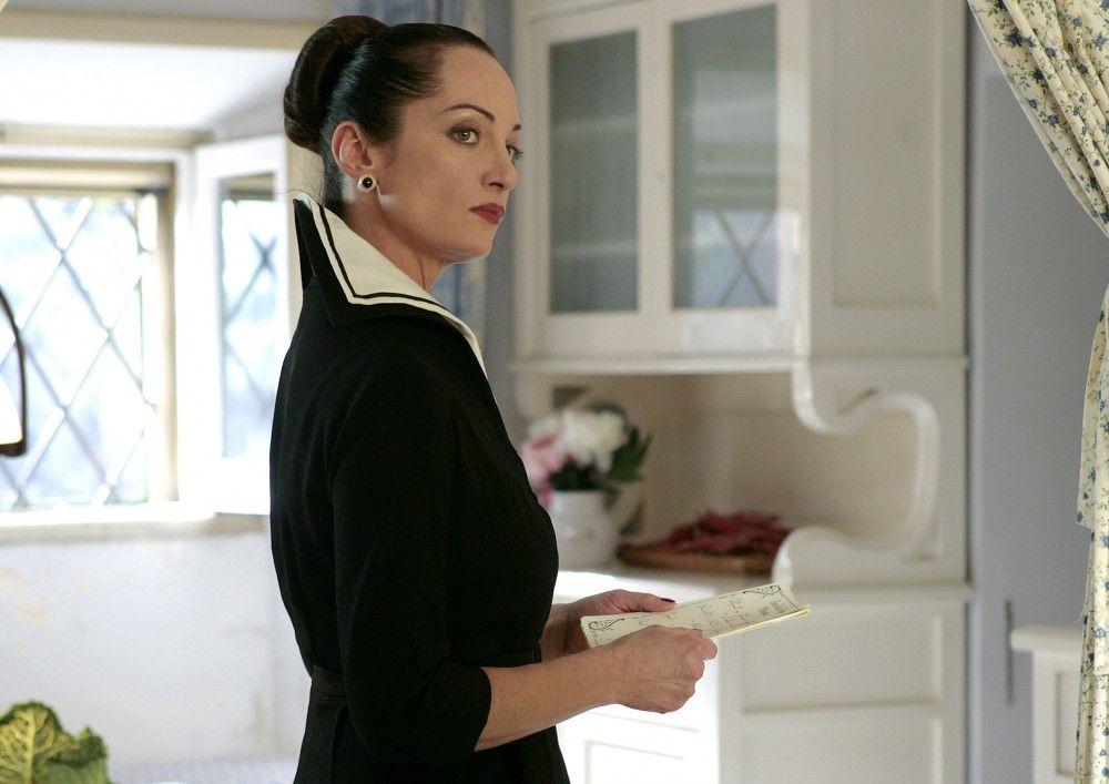 Irene (Natalia Wörner) führt ein strenges Regiment in ihrem Hotel.
