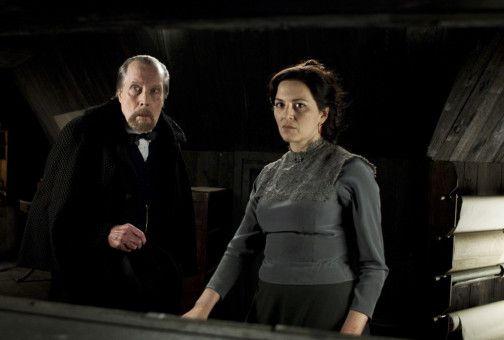 Der Neurologe Dr. Meissner (Jack Taylor) und die Geschäftsfrau Lucille Prevert (Martina Gedeck) planen eine heimtückische Intrige.