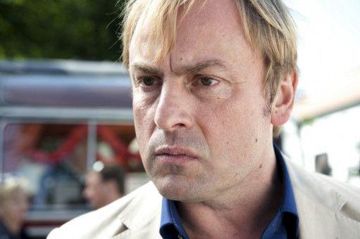 Thorsten (Eckhard Preuß) hat eigentlich eine Geburtstagsüberraschung für seine Frau Doris geplant. Doch im Wellness-Hotel macht er eine ärgerliche Entdeckung.