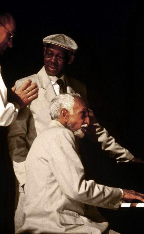 Ibrahim Ferrer mit Ruben Gonzalez am Klavier