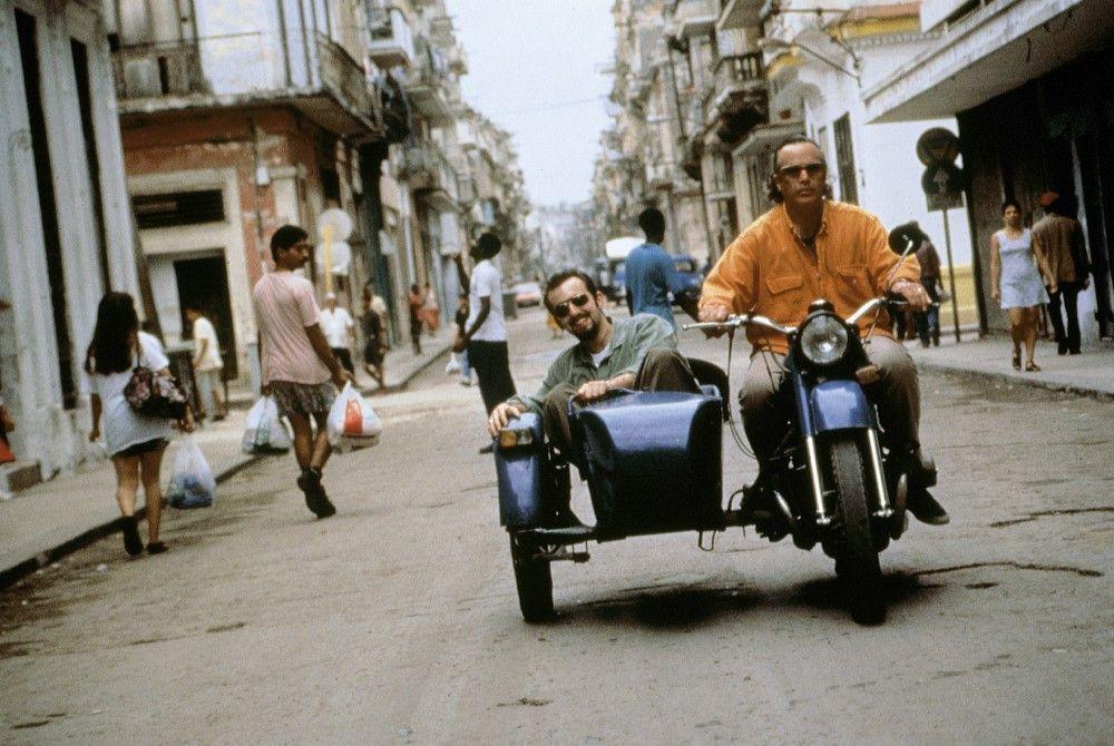 Ry Cooder (re.) mit seinem Sohn in La Habana, Cuba