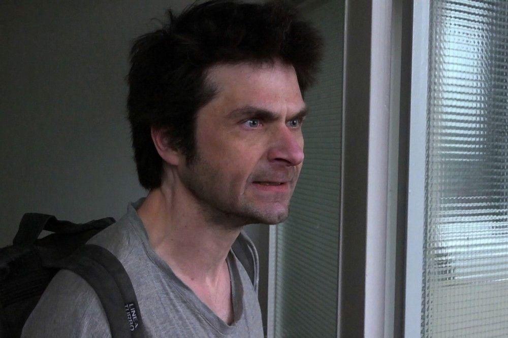 Der Autist Matthijs kann ohne größere Probleme allein leben. Seine Wohnung verlässt er jedoch nur ungern, denn es ist ein Schritt aus seiner Welt.