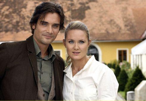 Wahre Liebe? Andreas (Patrick Rapold) mit seiner Verlobten Vera (Pauline Knof).